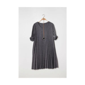Plisseret kjole grå