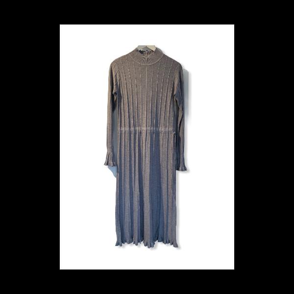 Strik kjole grå